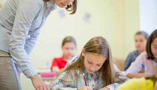 Como ensinar os alunos a escrever de forma clara? Saiba agora!