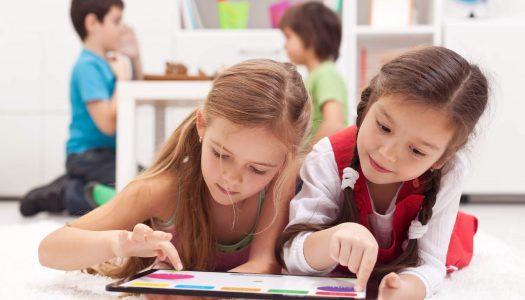 O que é melhor para ensinar e entreter: leitura digital ou impressa?